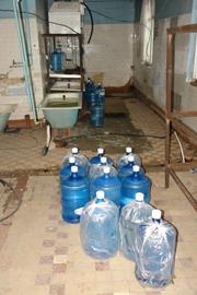 Подпольщики торговали водой из-под крана