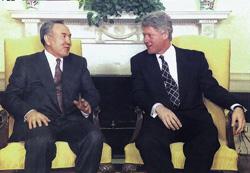 Как Клинтон подобрал своему другу ключ к казахстанскому урану