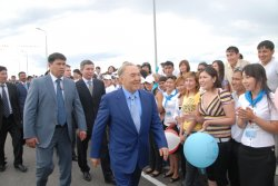 Президент открыл долгожданный мост Балыкши-Жумыскер