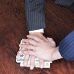 Итальянский менеджер попался на взятке налоговикам