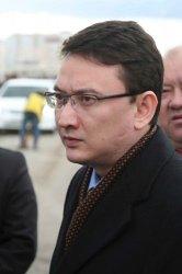 Е. Орынбаев: «Нефтью занято 25 тысяч человек. Остальным тоже нужно где-то работать?!»