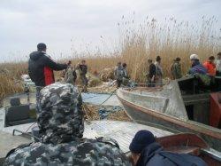 Вещдоки в море нашли. Но кто избил рыбаков?