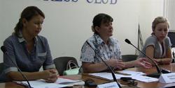 Жены арестантов «Казатомпрома» не поверили словам своих мужей на телеэкране