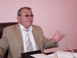 Аким Измухамбетов судится  со своим бывшим советником,  а тот опасается за свою жизнь