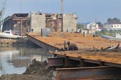 Атырауская трагедия: временные понтонные конструкции не выдержали мост